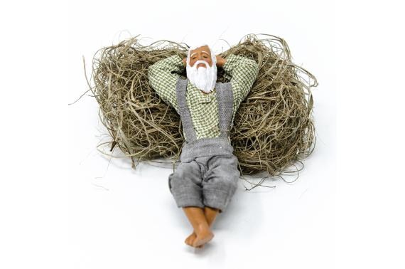 Uomo che dorme sulla paglia - Fisse Vestite - 12 cm