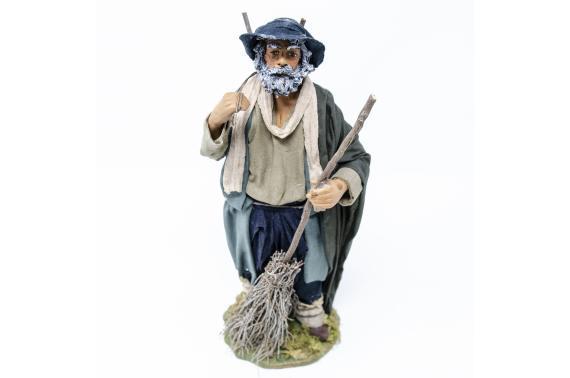 Uomo con Scope - Fisse Vestite - 24 cm