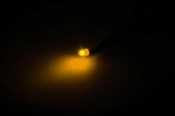 LED FUOCO 3 mm con spinotto - Accessori 2,1 mm