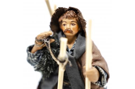 Uomo con scope - Fisse Vestite - 10 cm