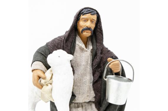Uomo con Pecora sotto Braccio - Fisse Vestite - 16 cm