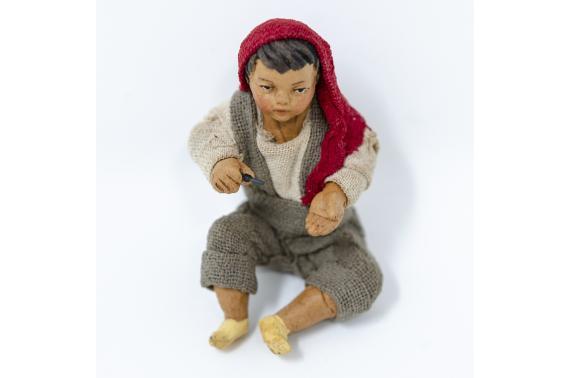 Fanciullo Seduto per Terra - Fisse Vestite - 16 cm