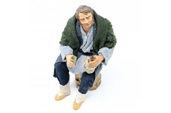 Uomo con Fiasco per Tavolata - Fisse Vestite - 20 cm