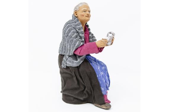 Donna con Grattugia per Tavolata - Fisse Vestite - 20 cm